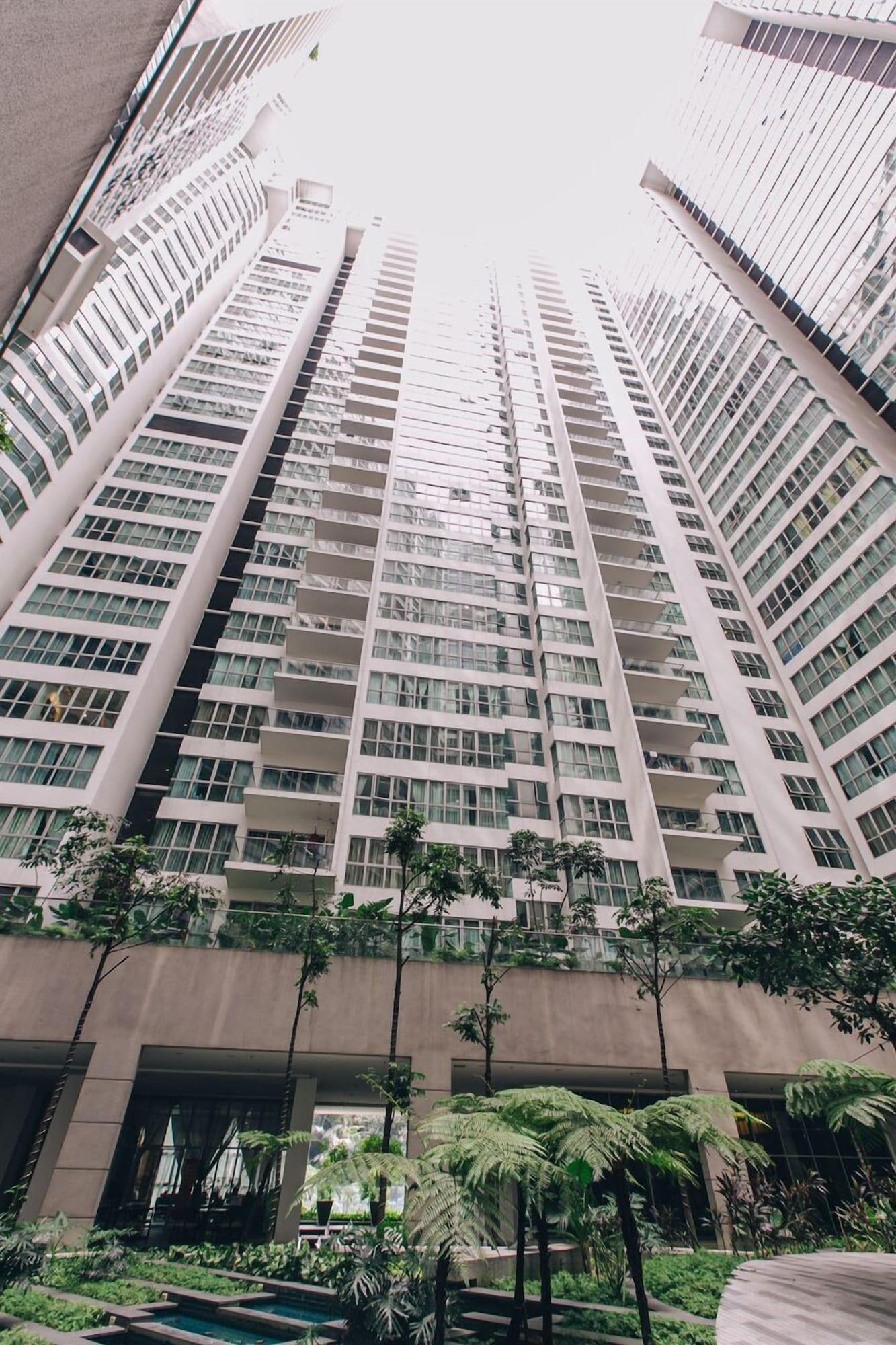 Grand Suite with Sky Pool, Kuala Lumpur