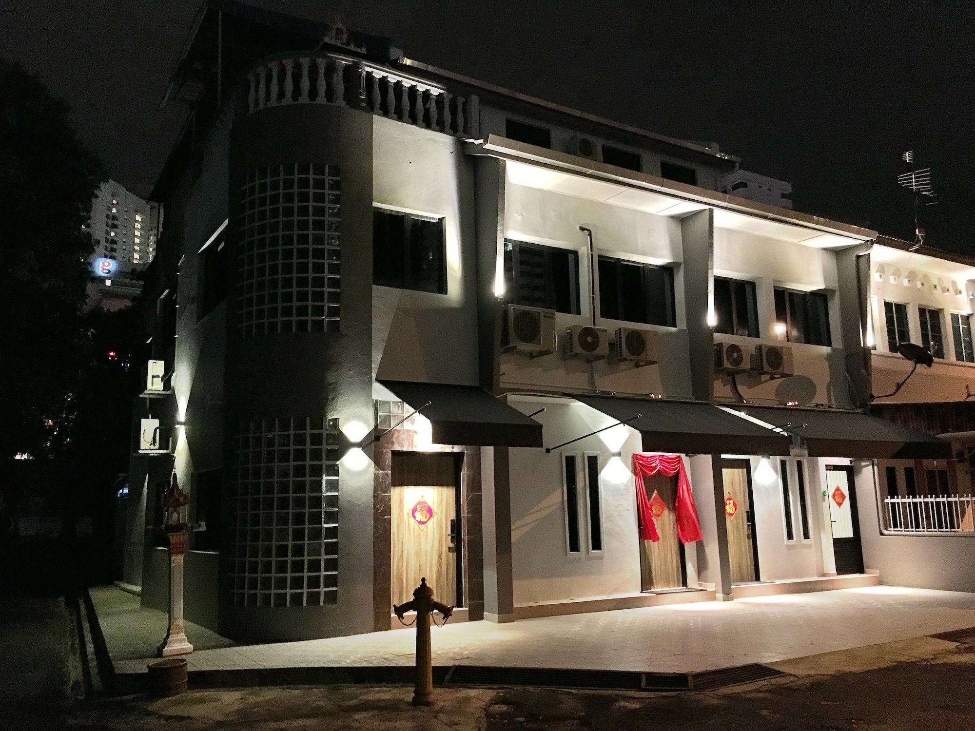 iBook 7 - 2Bedroom Gurney Studio Suites, Pulau Penang