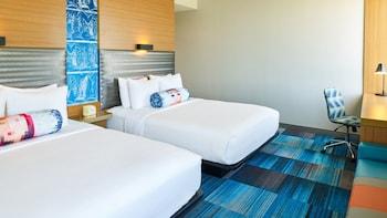 Guestroom at Aloft Dallas Arlington Entertainment District in Arlington