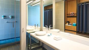 Bathroom at Aloft Dallas Arlington Entertainment District in Arlington