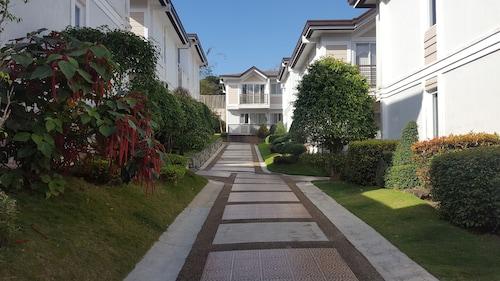 2 Bedroom Villa by AP at Tagaytay Hampton Villa, Tagaytay City