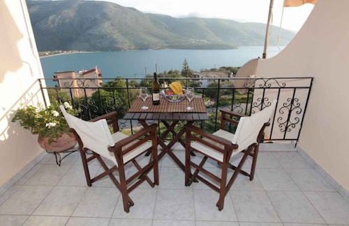Almini 2, Epirus