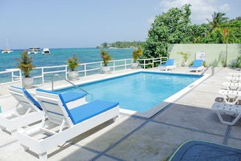 Deluxe Double Room, 1 Double Bed, Pool View