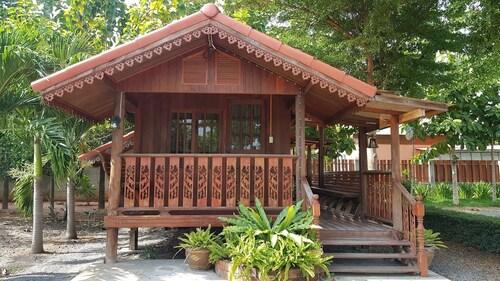 Ruanrabrong Tongnung Resort, Phatthana Nikhom