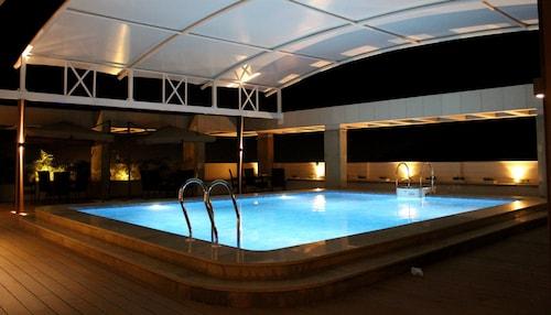. Blu Feather Hotel & Spa