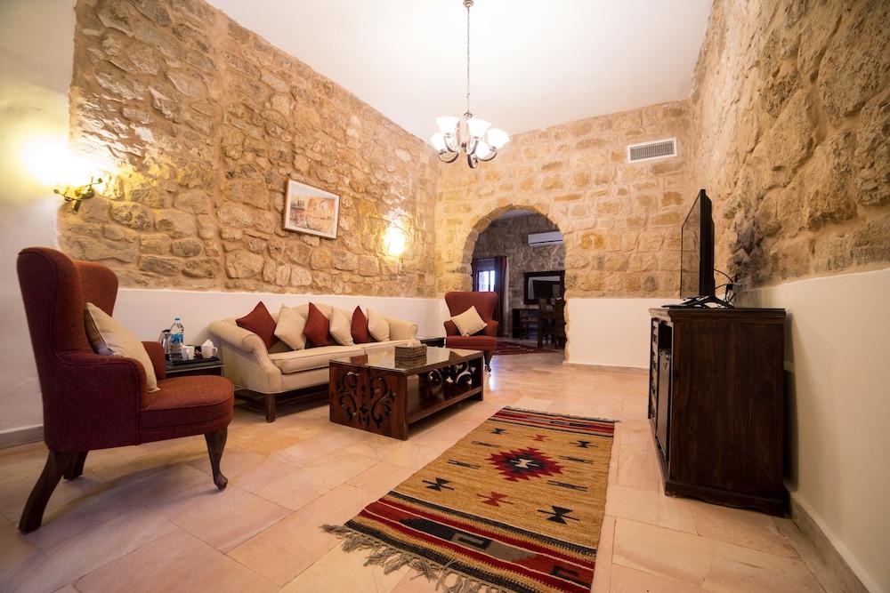 Old Village Resort-Petra, Imagen destacada