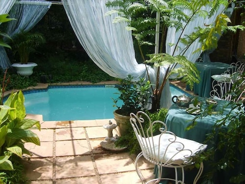 . Emerald Guest House Springs