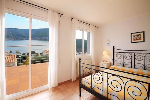 Villa Antonia, Girona
