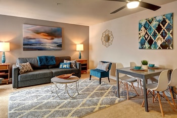 Fountain Court Jewel Suite - Two Bedroom Apartment photo