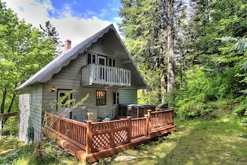 Ridge View Retreat - Three Bedroom Cabin with Hot Tub photo