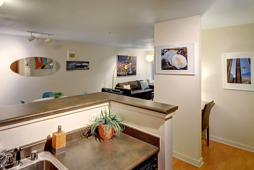 AVA Belltown Suite - One Bedroom Apartment with Balcony, King