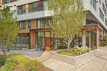 South Lake Union Townhome - Two Bedroom Townhome photo