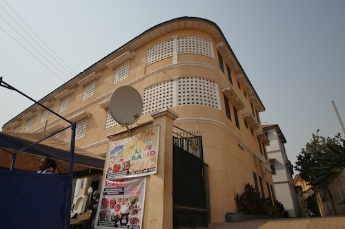 St. Sam Hotel Kamusi, Kumasi