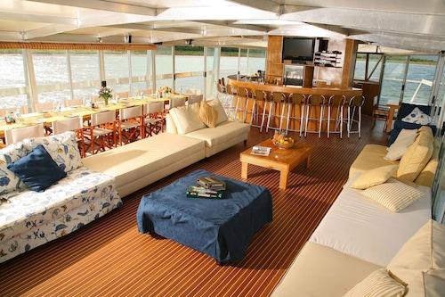 Shayamanzi Houseboats - All Inclusive, Umkhanyakude