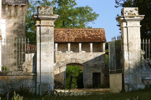 . Château de La Combe