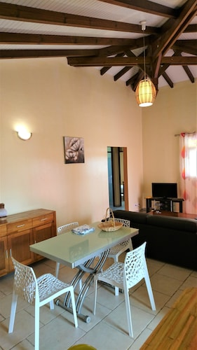 House With 2 Bedrooms in Sainte Rose, With Enclosed Garden and Wifi -, Sainte-Rose