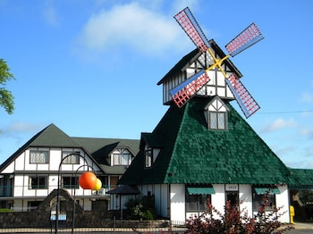 Hotel - Windmill Inn and Suites