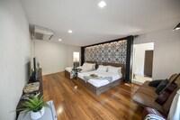 Family Studio Suite Room 2