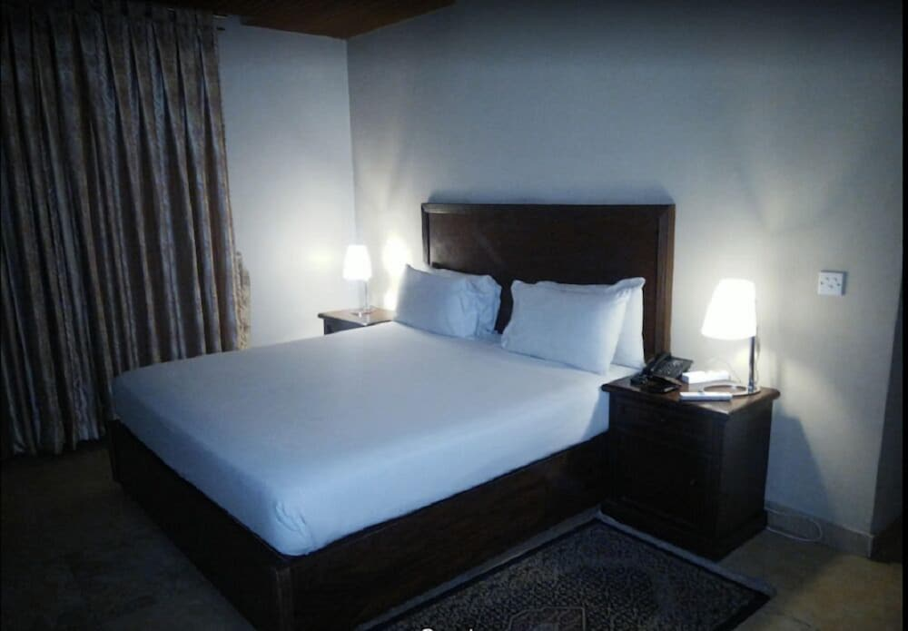 Shalimar Tower Hotel, Lahore