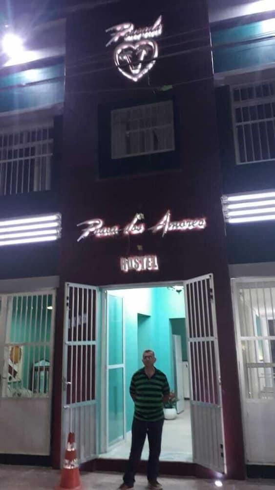 Praia dos Amores Hostel
