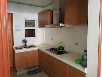 UNIT 6  4BR WANAY APARTMENT Private Kitchenette