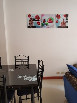 UNIT 6  4BR WANAY APARTMENT In-Room Dining
