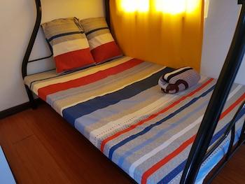 UNIT 8 4BR ZARA MYSHKA APARTELLE Room