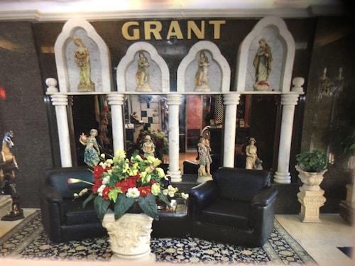 Grant Furnished Apts, El Metn