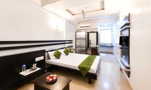 Treebo Skylon Hotel, Gandhinagar
