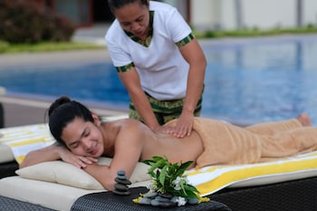 AMIYA RESORT RESIDENCES CLUBHOUSE Massage
