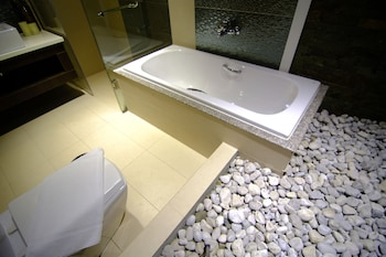 AMIYA RESORT RESIDENCES CLUBHOUSE Bathroom