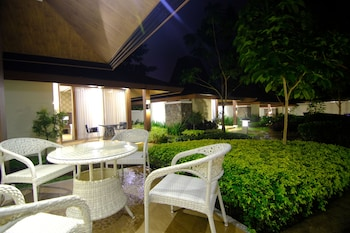 AMIYA RESORT RESIDENCES CLUBHOUSE Terrace/Patio