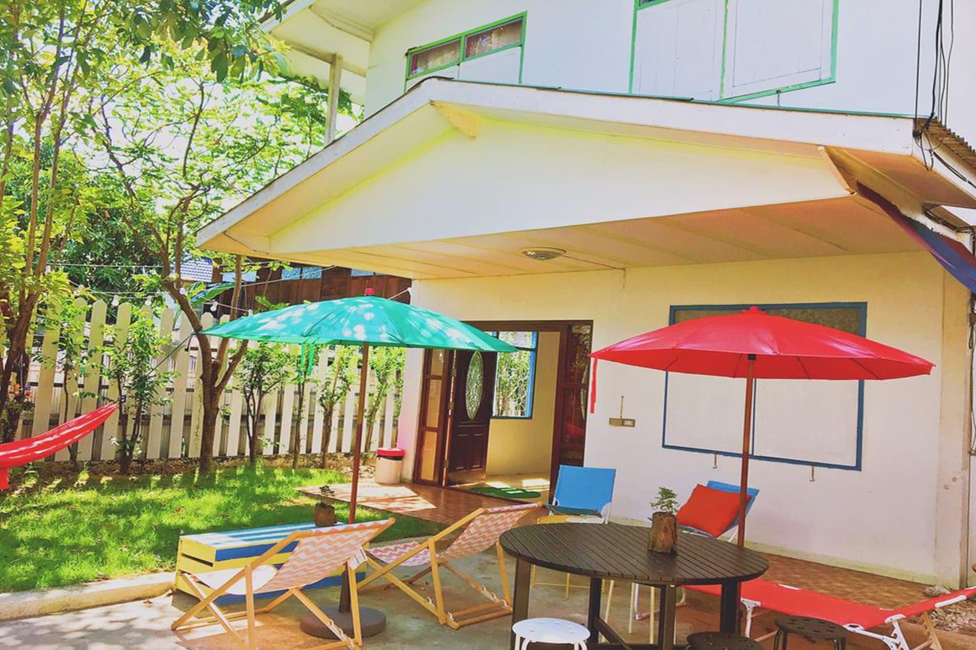 Hush Hush Cabiner - Hostel, Bang Na