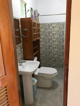 NEPTUNE DIVING RESORT MOALBOAL Bathroom