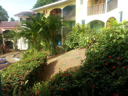 Studio in Sainte-anne, With Furnished Terrace and Wifi - 130 m From th, Sainte-Anne