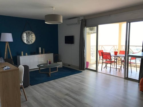 Apartment With one Bedroom in Saint-denis, With Wonderful sea View, Te, Saint-Denis