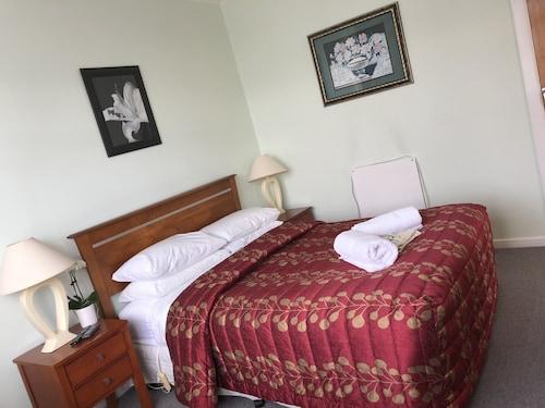 Matahari Bed and Breakfast, Upper Hutt
