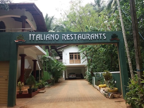 . Italiano Restaurans