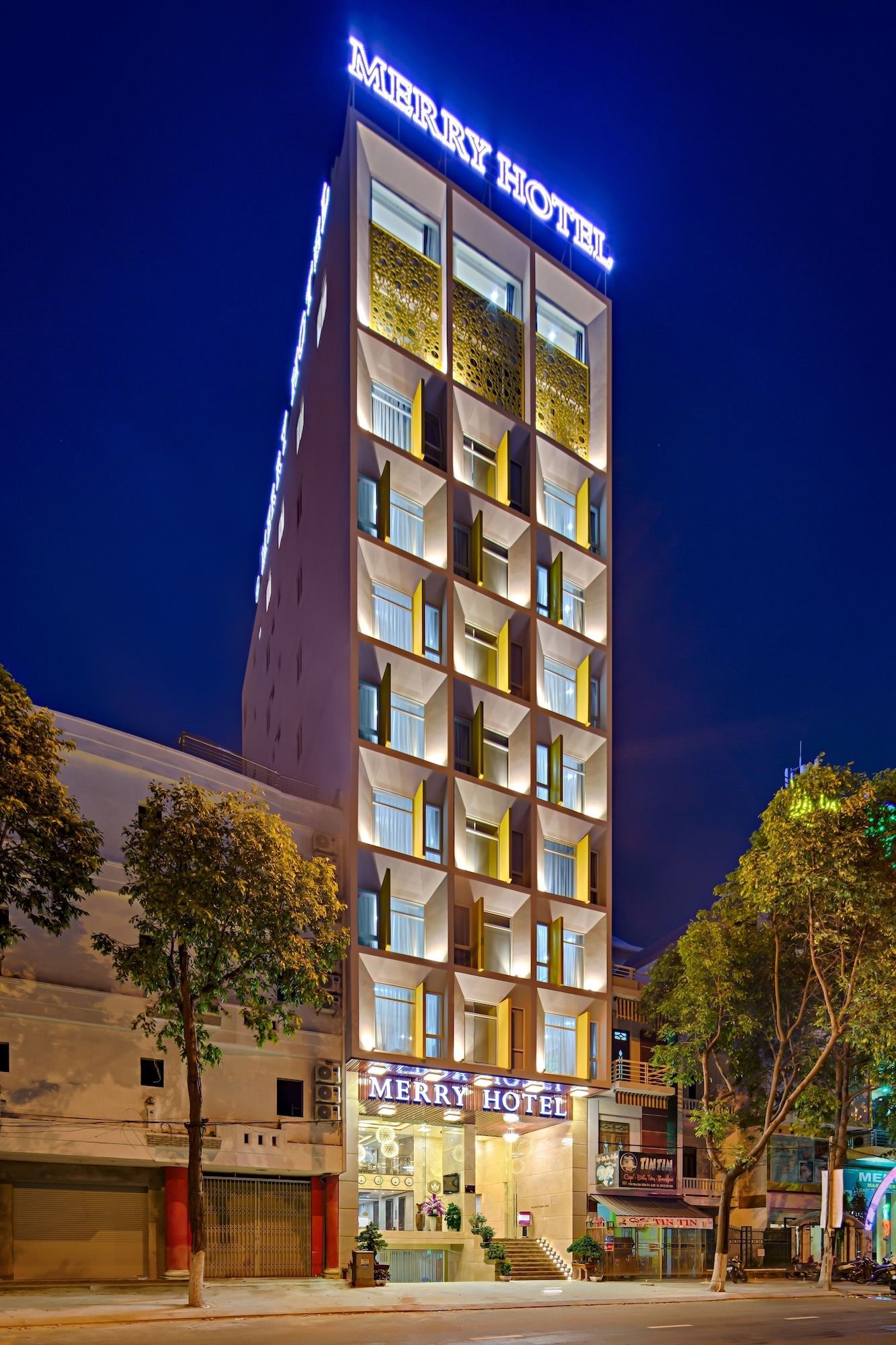 Merry Hotel, Sơn Trà