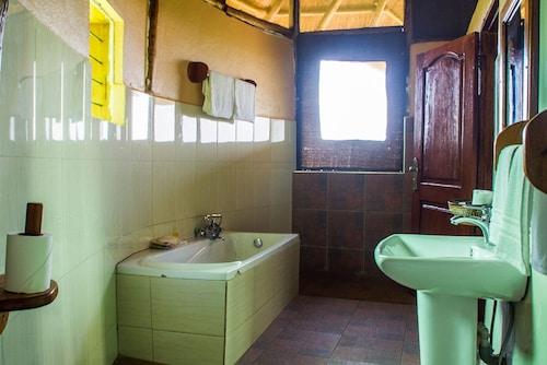 Elephant HAB Lodge, Bunyaruguru