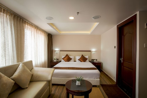 KGA Elite Continental Hotels, Pathanamthitta