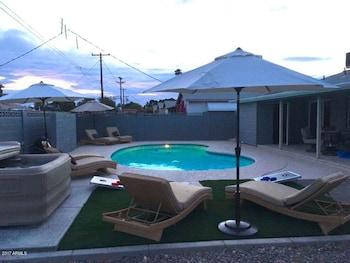 4-Bedroom Luxury House in Scottsdale