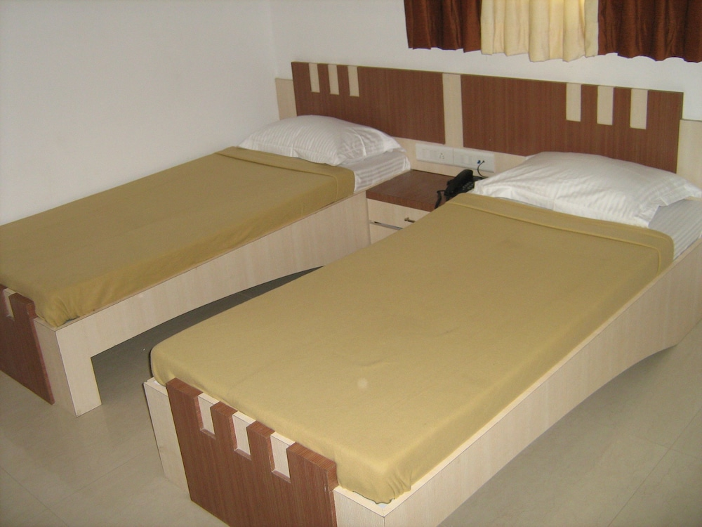 SPL Four Bed Non-AC Room