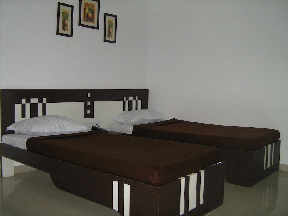 Single Non-AC Room