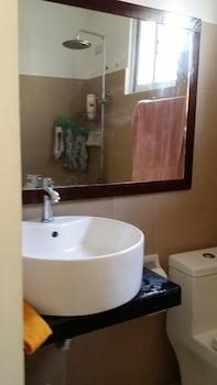 RAMYER TRANSIENT HOUSE 1 - TAGBILARAN Bathroom Sink