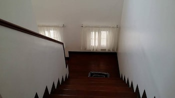 RAMYER TRANSIENT HOUSE PANGLAO Staircase