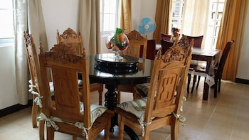 RAMYER TRANSIENT HOUSE PANGLAO In-Room Dining