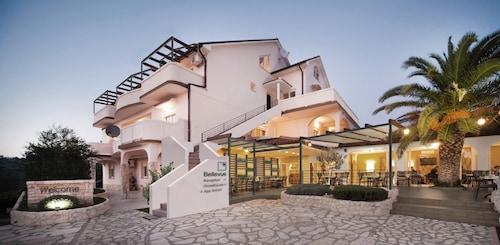 . Luxury Suites Bellevue