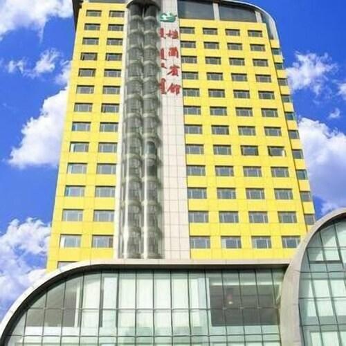 Lou lan Hotel, Bayin'gholin Mongol