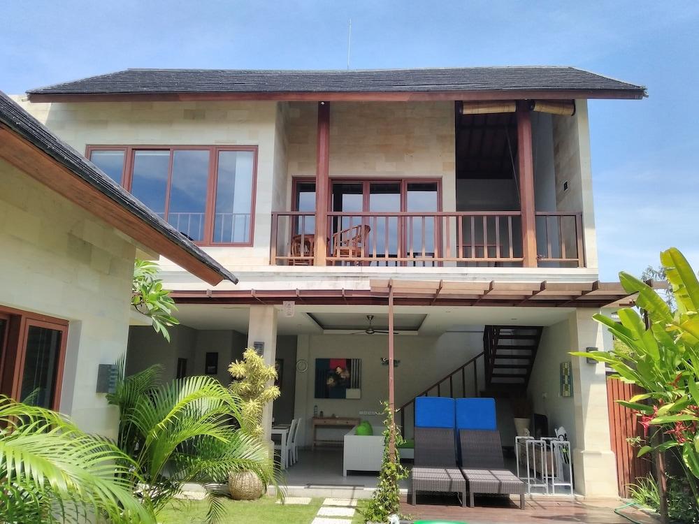 Sunshoot Villa Sandat